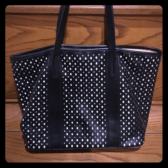 Neiman Marcus Handbags - Neiman Marcus Bag